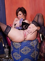 Veronica Avuluv in nylon